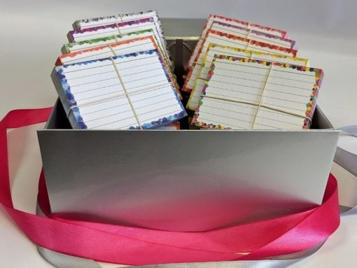 Zilveren-cadeaubox-confetti-pakket-1500-flashcards-front-roze