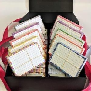 Zwarte cadeaubox confetti pakket 1500 flashcards front