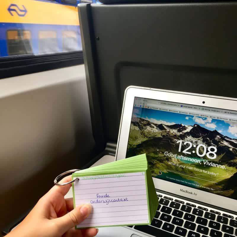 Flashcards onderweg leren in de trein
